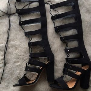 Black lace up block heel shoe